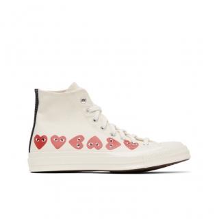 chaussure converse avec coeur