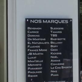 e52e0b093ba712 DR MARTENS à LIMOGES - 459 boutiques de mode en France.